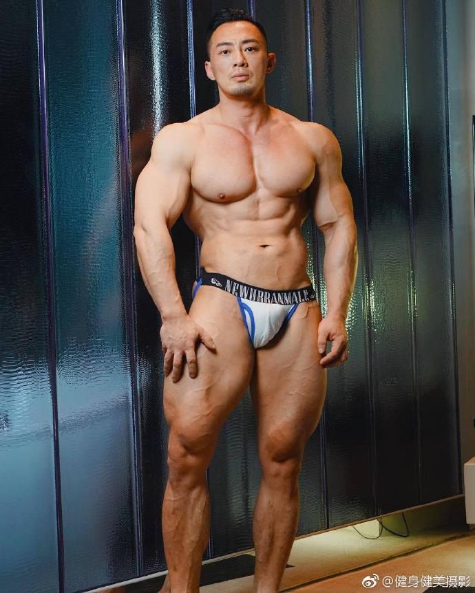 肌肉帅哥健身健美摄影