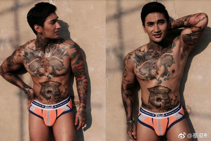 美丽的纹身泰男