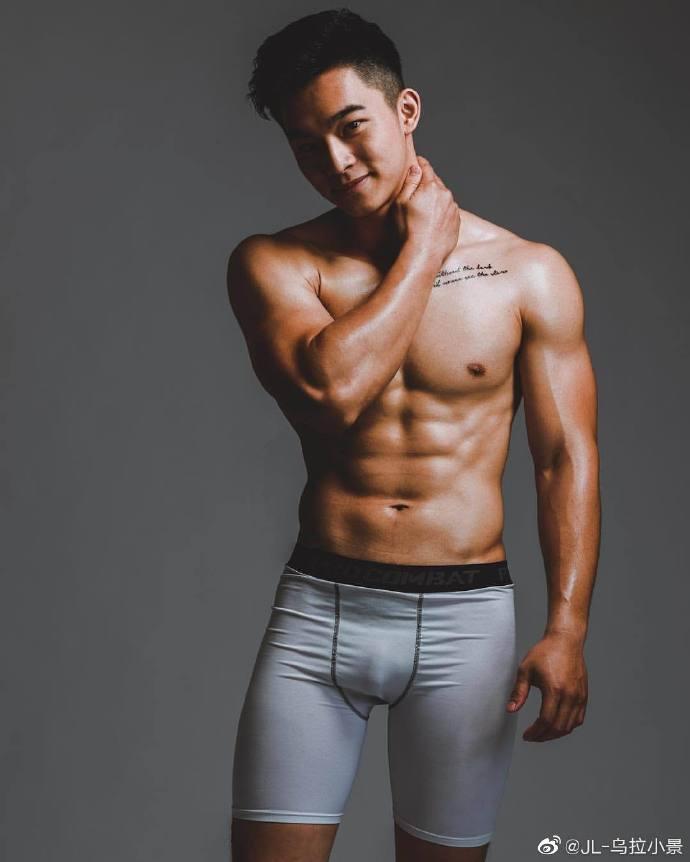 清秀斯文 壯碩健身教練–Tony Kuo柏辰