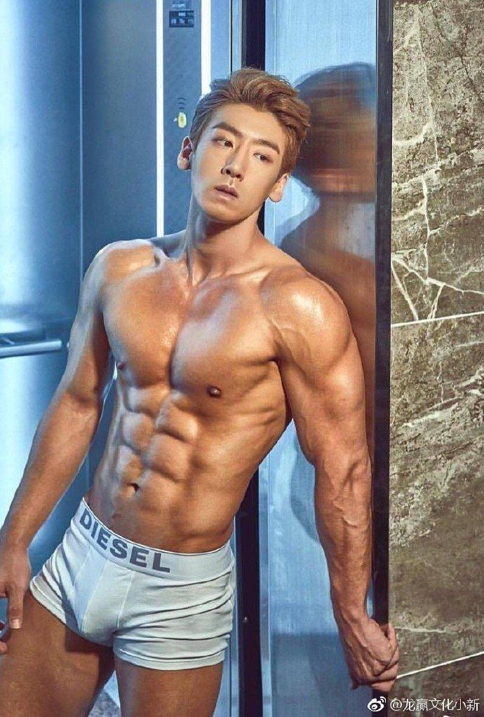 男模是来自韩国的欧巴 