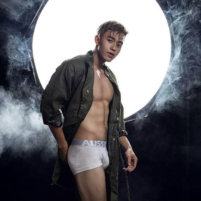 泰国生猛筋肉模特Hieu Pham性感写真