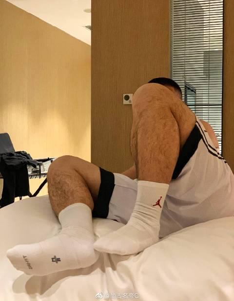 酒店白袜子帅哥