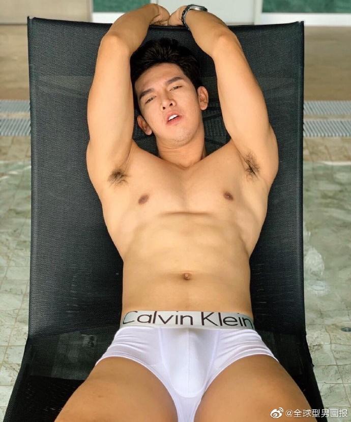 你喜欢这样的肌肉帅哥吗