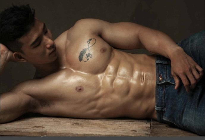 喜欢肌肉帅哥的哪个部位