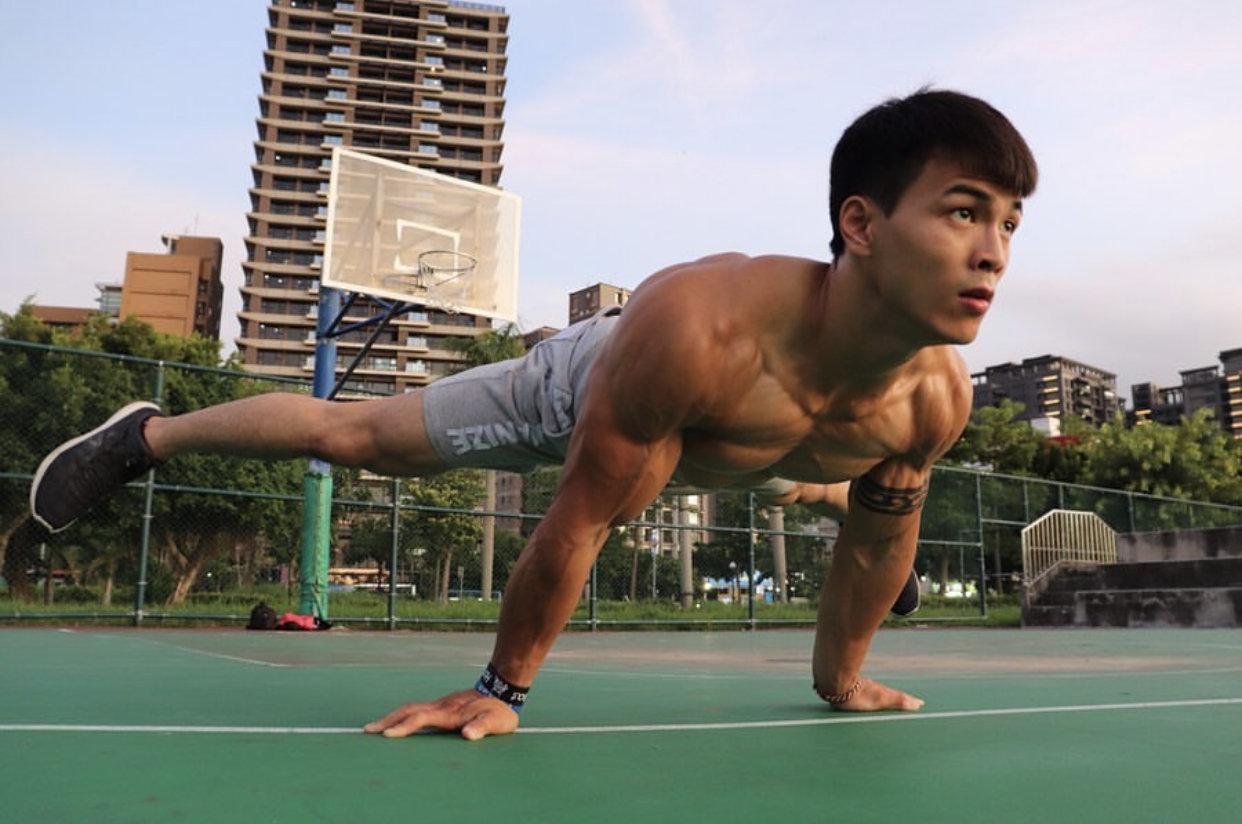 帅哥照片_街头健身教练林立新